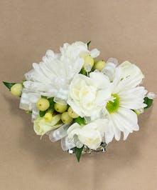 White Multi-Flower Wristlet